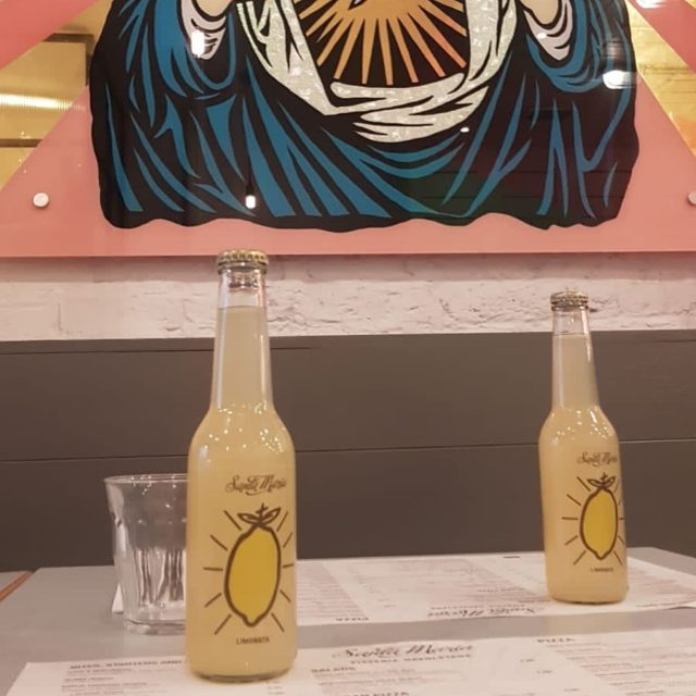 Handmade fresh Santa Maria lemonade, available in all stores.