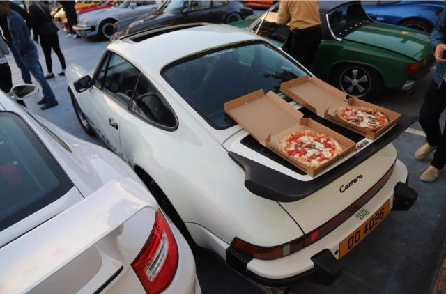 Pizza warmer   (If you like cars, need to come to our Brentford branch, inside @duke_of_london , the first pizzeria in a classic cars garage!)  Photo stolen from @douzecoupes